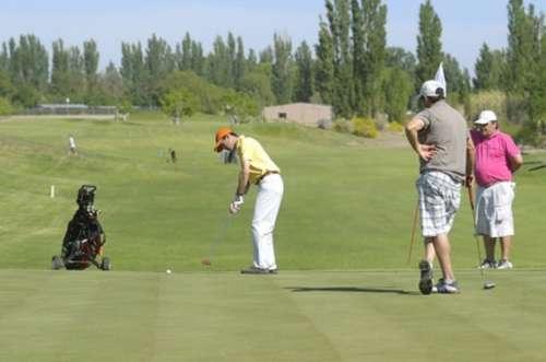 Golf entre viñedos