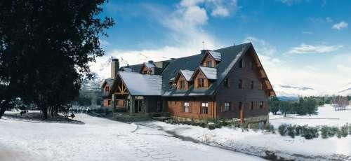 Vista del Hotel nevado